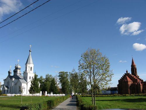Orthodox and Roman Catholic Churches, Lahishin, Belarus